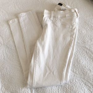 White KanCan jeans size 25